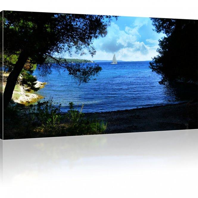 Segelschiff in der Buchtenküste Wandbild